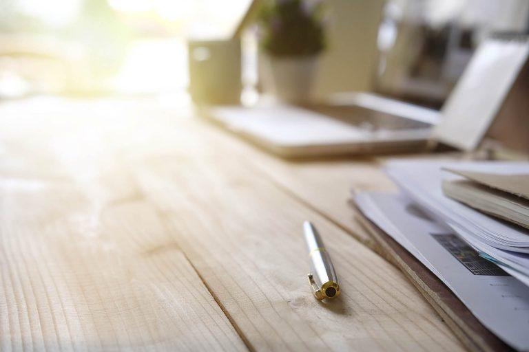 Stift aif einem Tisch